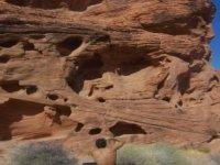 Escalar piedra roja