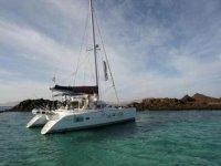 Paseo en barco catamaran