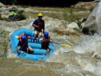 Extreme rafting