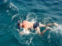 Nadando en snorkel