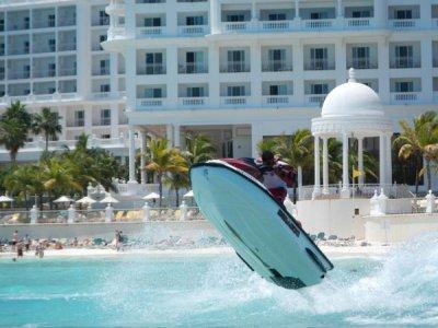 Water Sports in Cancún Motos de Agua
