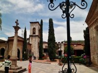 Knowing the center of Valle