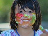 Alumna con la cara pintada