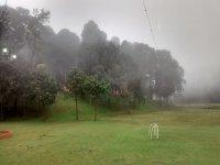tirolesa en la niebla
