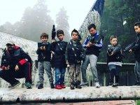 El equipo mas joven con sus armas