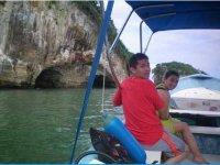 En barco para hacer snorkel