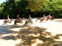 Cruzando rios a caballo
