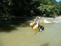 Canopy sobre el rio