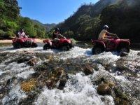Cruzar rios en cuatrimoto