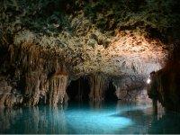 Cueva del río secreto