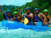 Maximum fun in the rapids of the Tampaón River
