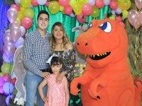 Familia contenta en Loroventura