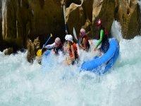 Rafting in the Tampan river level III