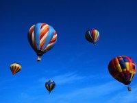 Flying aerostatic balloons