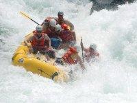 Rapidos y rafting