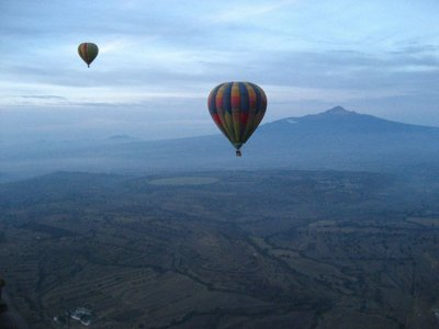 Balloon flight, zip-line and hotel in Huasca