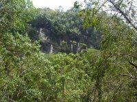 Montañas y cuevas