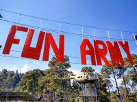 Parque de diversiones con simuladores militares
