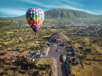Hot Air Balloon Ride over Teotihuacan Pyramids
