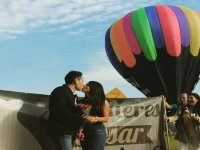 Asking for marriage in a balloon