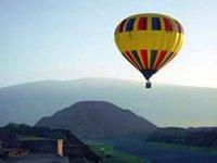 Hot Air Balloon in Teotihuan