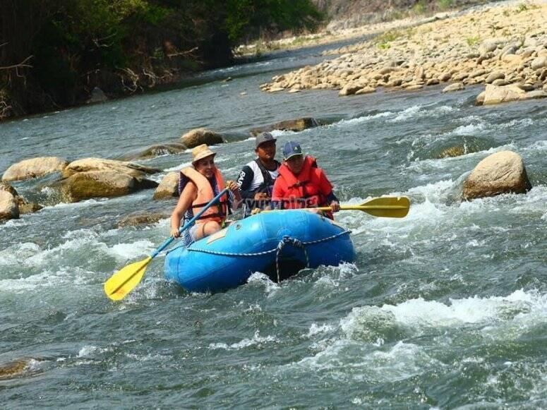 Rafting en río Tangolunda