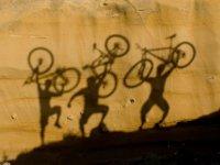 Pasandolo en grande con la bici