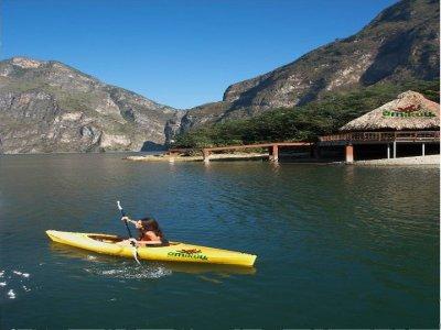 Parque Amikuu Kayaks