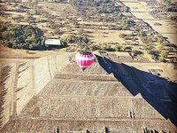 Vista panorámica en globo de las pirámides