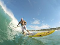 Luchador en surf