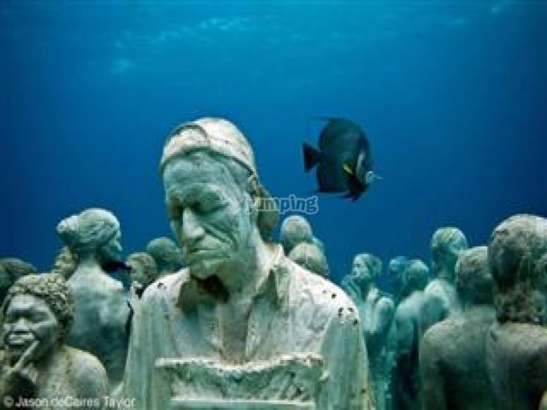 Snorkel and art in Cancun