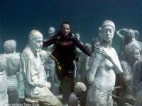 Snorkel in an underwater museum