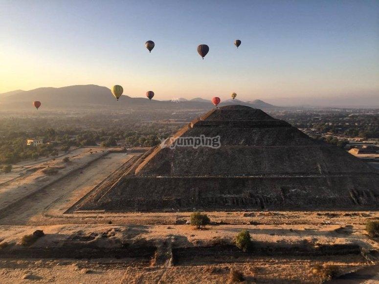Balloons flying over Teotihuacan