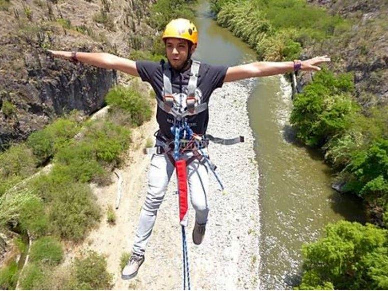 Emoción máxima saltando desde las montanas de Tasquillo