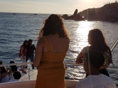Yates de Lujo Ixtapa Paseos en Barco