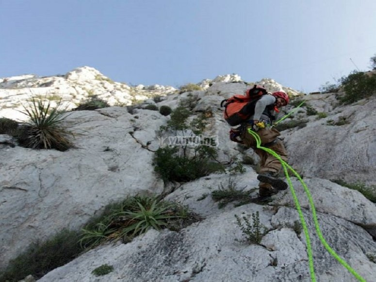Canyoning down the wall