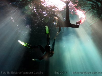Snorkling in Yucatan in 2 natural wells + food