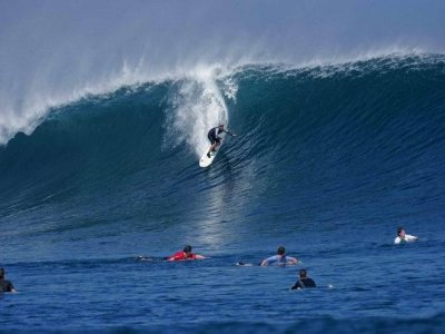 Mag Bay Tours Surf