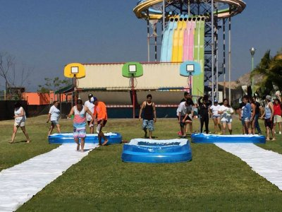 Park with flight simulator and food Cuernavaca