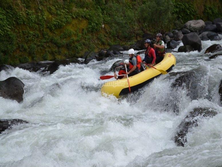 Rafting con tus amigos