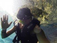 Un saludo bajo el agua