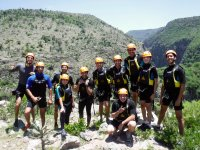 Teamwork and practicing canyoning