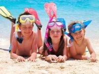 Los ninos en snorkel