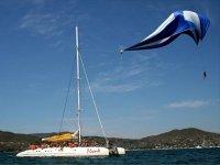 Parasail sobre el mar