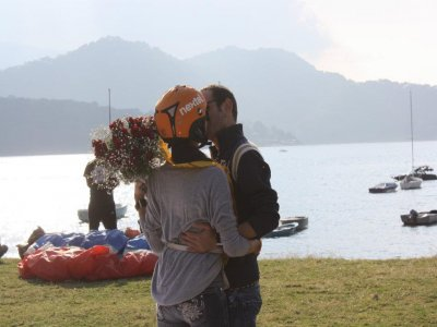 Pack for couples: paragliding + dinner + hotel