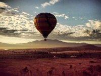 vuelo al amanecer