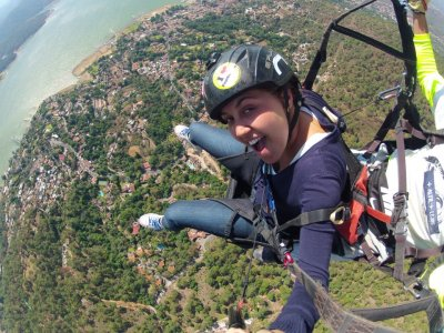 Tandem paraglider flight in Valle de Bravo