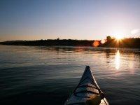 Kayaks al atardecer