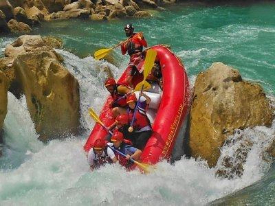 Rafting Clase III en la Huasteca Potosina 8.5 hrs
