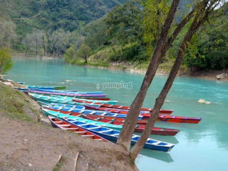 Canoas para visita a Cascada de Tamul